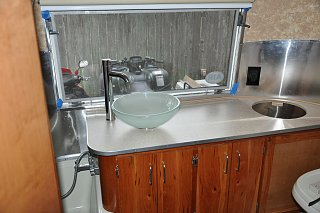 Click image for larger version  Name:bath counter.jpg Views:155 Size:234.6 KB ID:176565