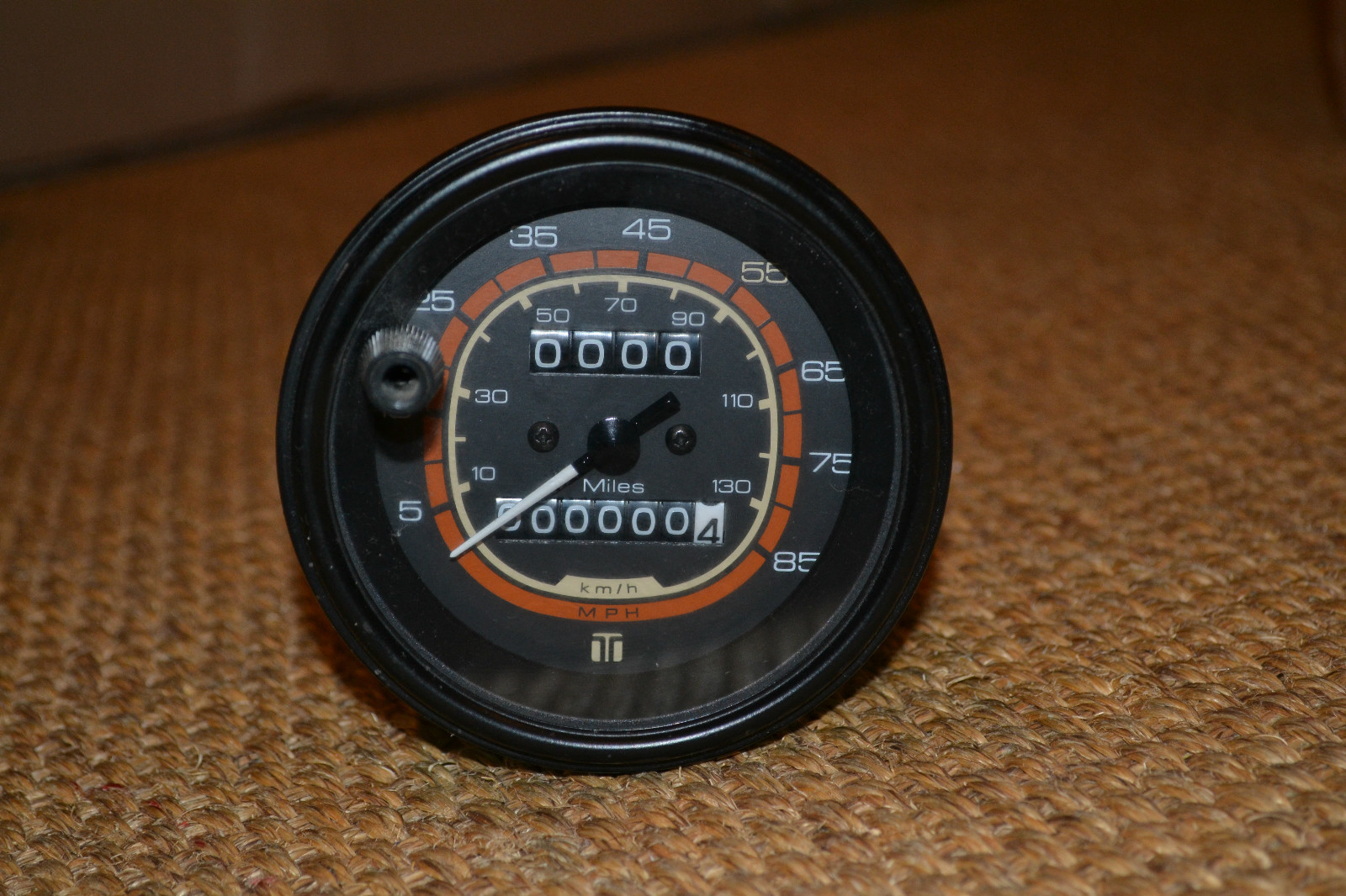 Click image for larger version  Name:teleflex-new-speedo.JPG Views:145 Size:438.8 KB ID:177182
