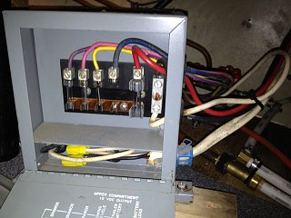 Click image for larger version  Name:fuse block 2 .jpg Views:96 Size:234.5 KB ID:177567