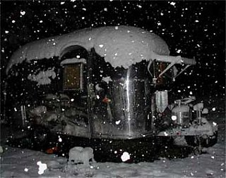 Click image for larger version  Name:airstream_snow[1].jpg Views:133 Size:17.0 KB ID:17768
