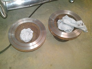 Click image for larger version  Name:74-argosy-front-hubs-rotors-ready.jpg Views:138 Size:301.0 KB ID:178744