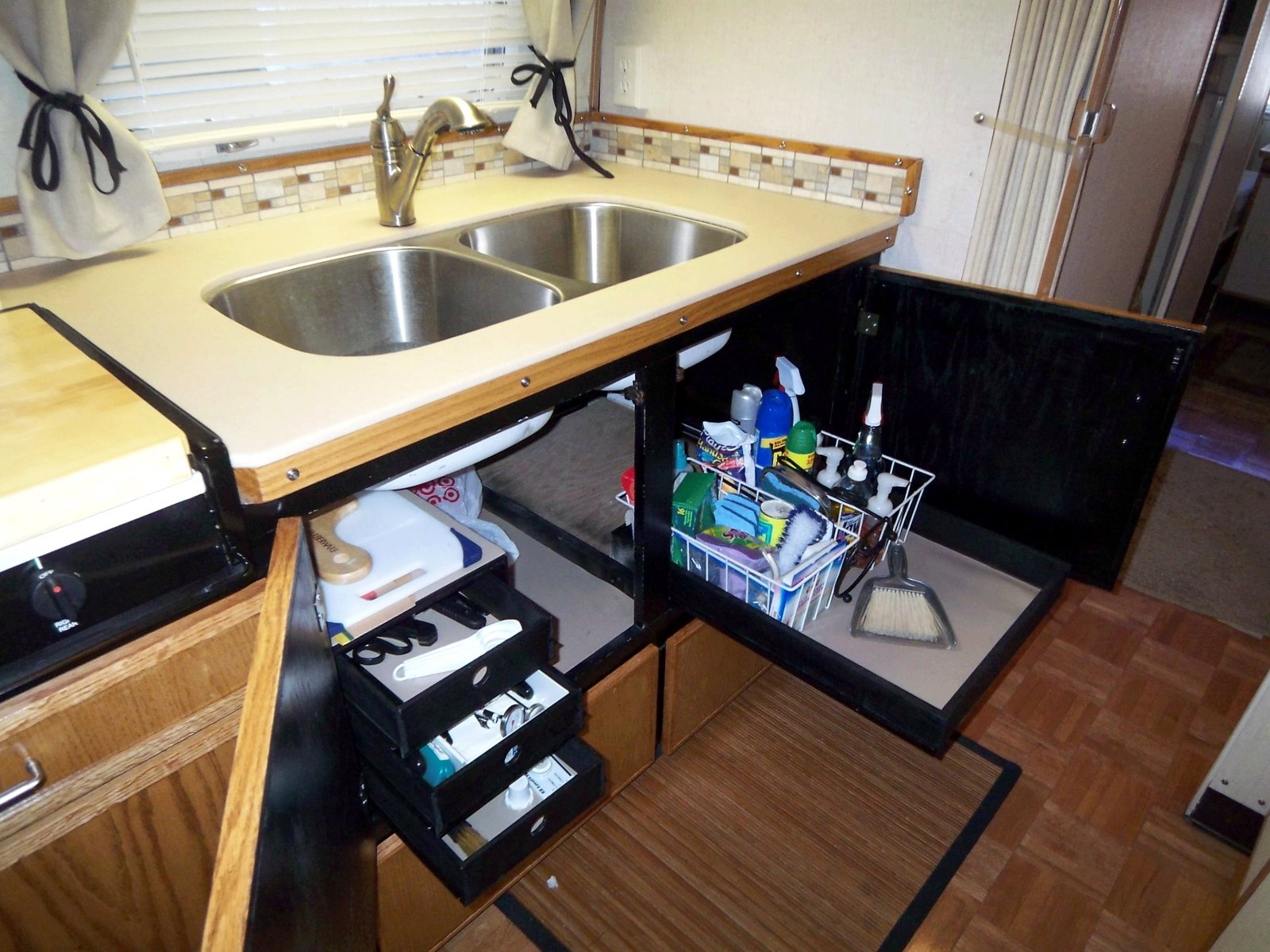 Click image for larger version  Name:Kitchen-after-2.jpg Views:167 Size:303.7 KB ID:178853