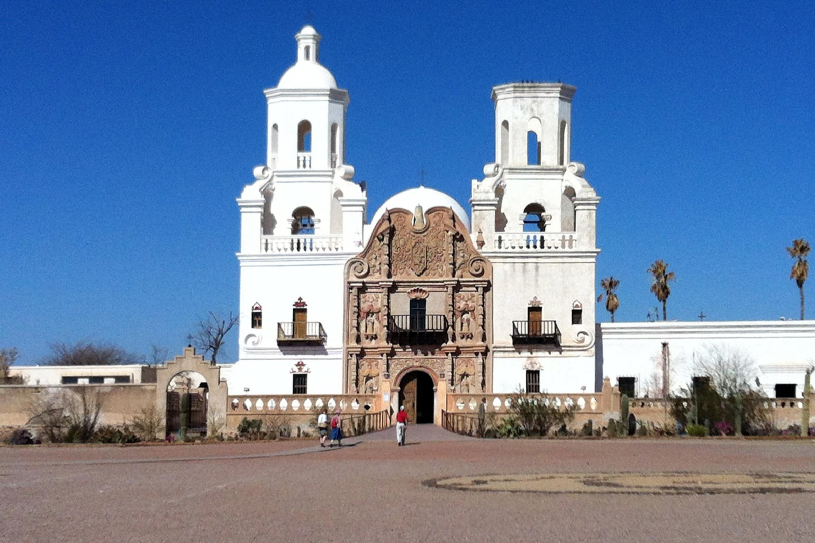 Click image for larger version  Name:Mission San Xavier1.jpg Views:69 Size:285.8 KB ID:178944