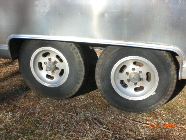 Click image for larger version  Name:Height Before New Axles.JPG Views:98 Size:234.7 KB ID:179267