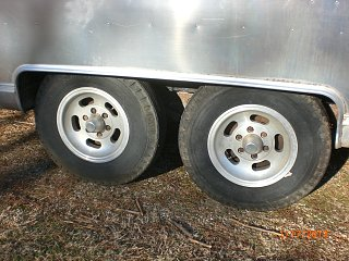 Click image for larger version  Name:Height Before New Axles.JPG Views:145 Size:234.7 KB ID:179267