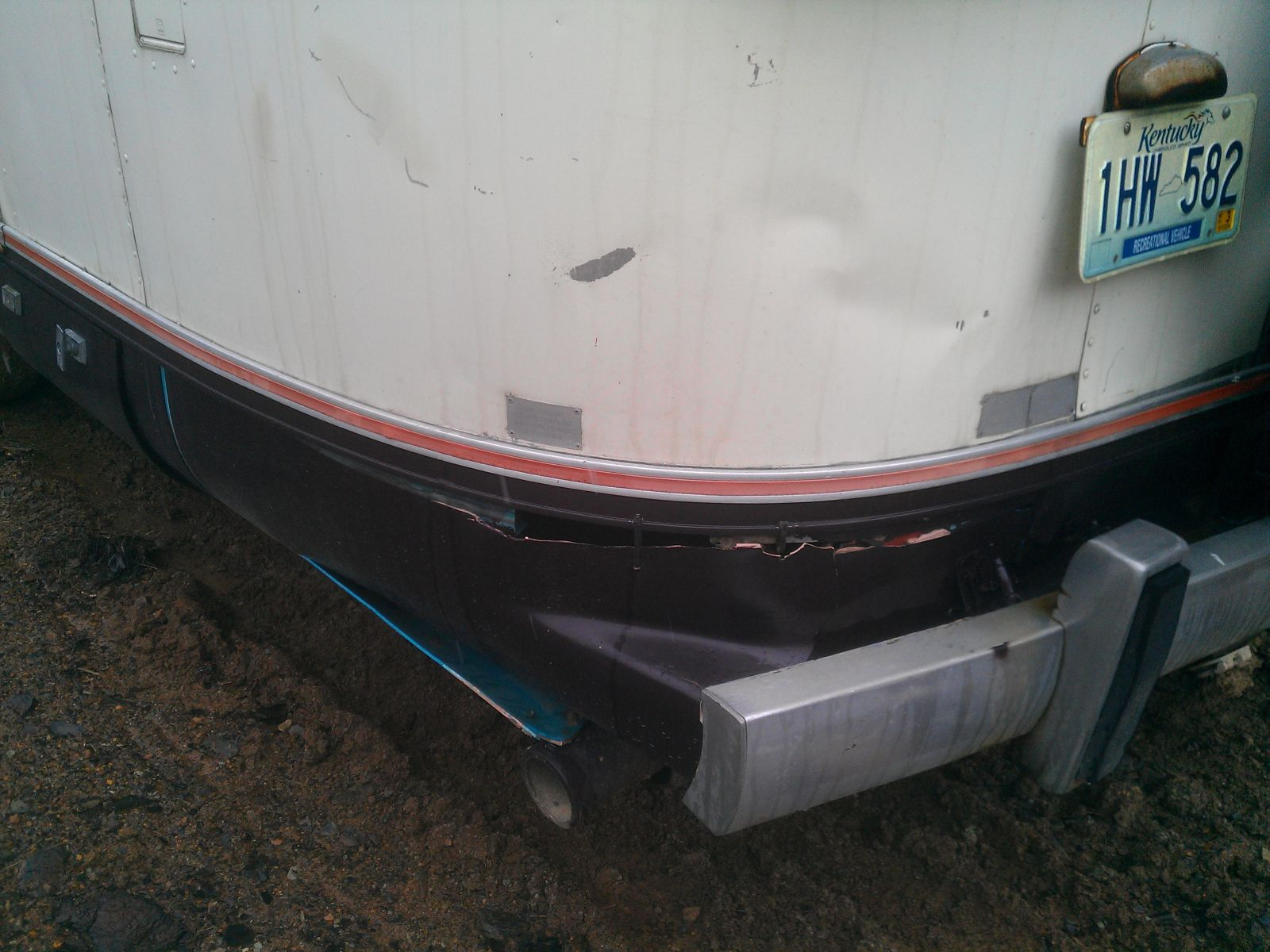Click image for larger version  Name:Argosy-28-left-rear-damage.jpg Views:62 Size:242.3 KB ID:180127
