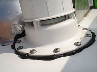 Click image for larger version  Name:SOLAR PANELS; ROOF LEAK 023.jpg Views:91 Size:37.8 KB ID:181400