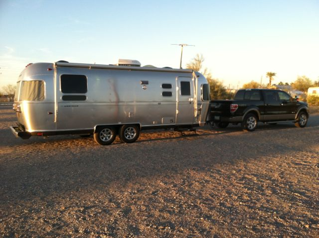 Click image for larger version  Name:New Airstream at Quartzsite.jpg Views:58 Size:62.1 KB ID:181924