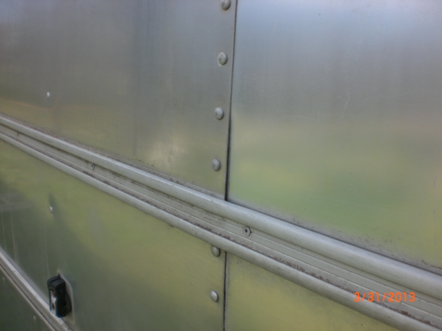 Click image for larger version  Name:Airstream Seam 001.JPG Views:61 Size:181.4 KB ID:182182