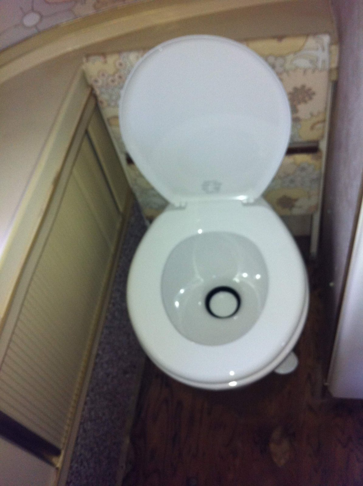Click image for larger version  Name:New Toilet Open.jpg Views:48 Size:217.5 KB ID:182194