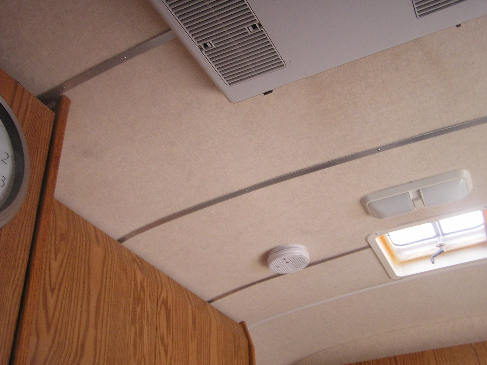 Click image for larger version  Name:ceiling.jpg Views:203 Size:260.3 KB ID:182207