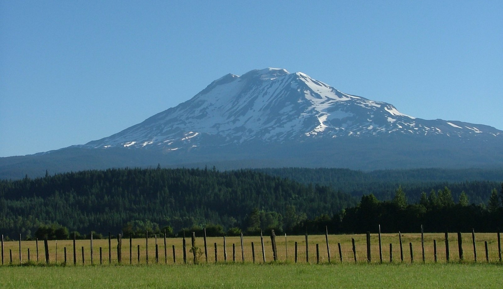 Click image for larger version  Name:Mt adams.jpg Views:143 Size:189.4 KB ID:182794