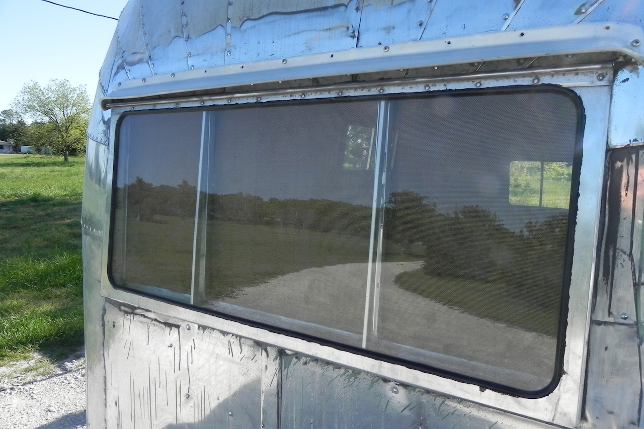 Click image for larger version  Name:window seal new 1.JPG Views:70 Size:329.6 KB ID:184121