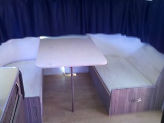 Click image for larger version  Name:dinette without cushions.jpg Views:163 Size:169.5 KB ID:184435