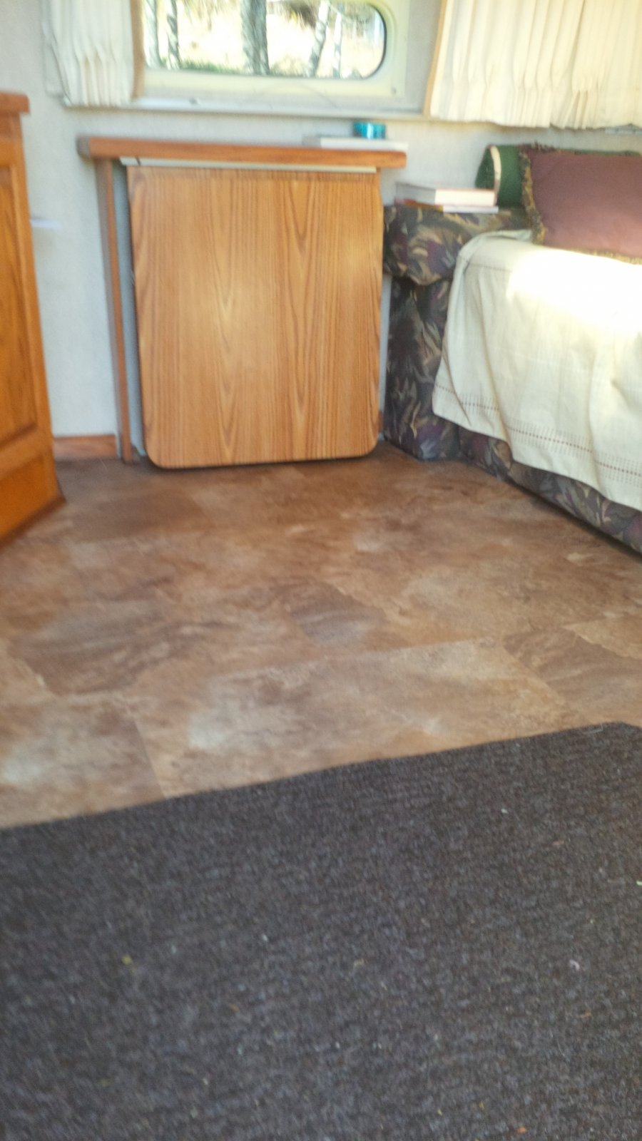Click image for larger version  Name:new vinyl click flooring 1.jpg Views:920 Size:173.9 KB ID:185256