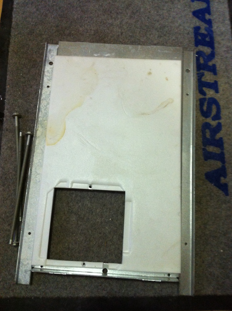Click image for larger version  Name:AC Mount Plate.jpg Views:42 Size:282.2 KB ID:185266
