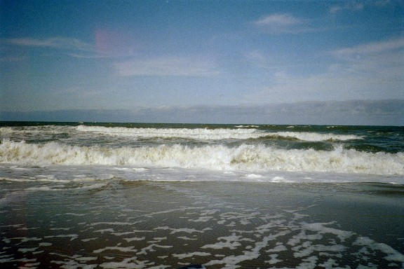Click image for larger version  Name:Waves VA Beach3_small.jpg Views:77 Size:65.5 KB ID:18625