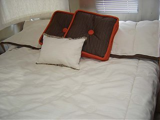 Click image for larger version  Name:BUTTERSCOTCH BED.jpg Views:79 Size:79.8 KB ID:18672