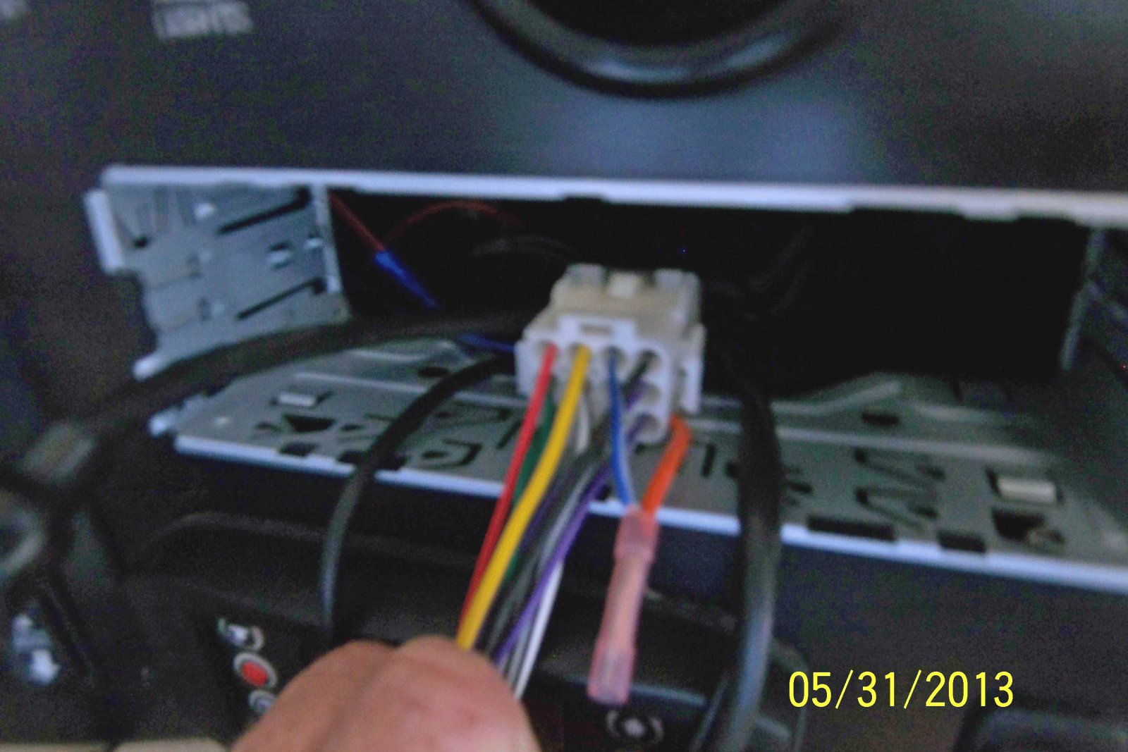 In Dash Radio No Sound Irv2 Forums Wire Harness Bundle And Comes From A Of Wires Under The I Dont Know What Orange Is There Nothing Connected To Other End