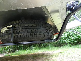 Click image for larger version  Name:0608 spare tire 02.jpg Views:413 Size:353.7 KB ID:187748