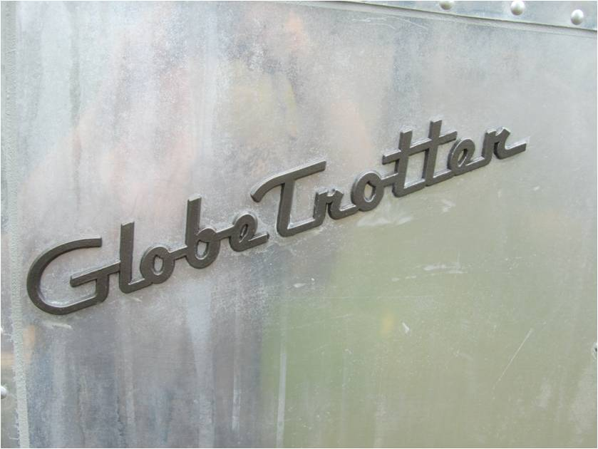 Click image for larger version  Name:globe trotter repaint.jpg Views:73 Size:47.3 KB ID:188207