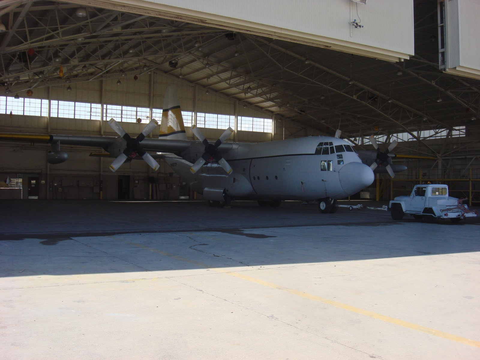 Click image for larger version  Name:C-130 first trip in hanger 009.jpg Views:54 Size:237.5 KB ID:188855