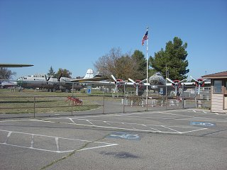 Click image for larger version  Name:Castle air museum 007.jpg Views:86 Size:386.5 KB ID:189745