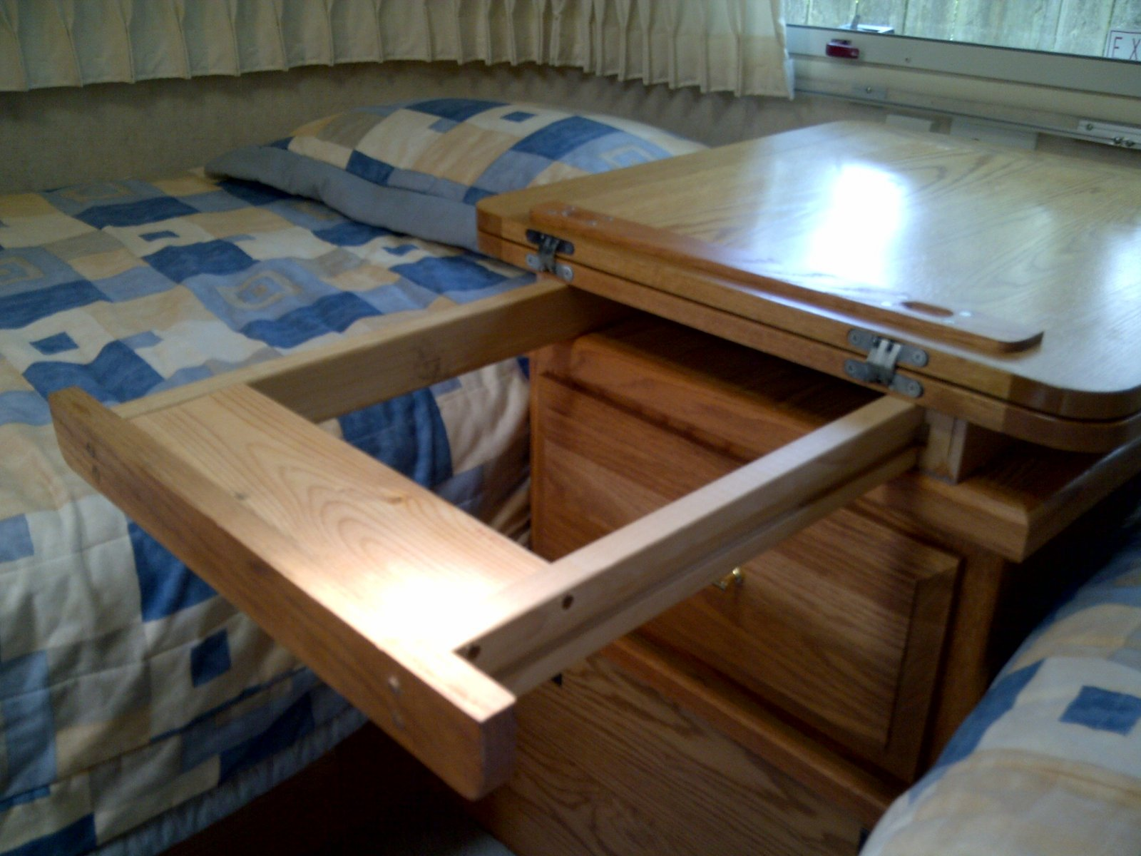 Click image for larger version  Name:Bi-Fold Night Table5-20130702.jpg Views:79 Size:219.0 KB ID:189980