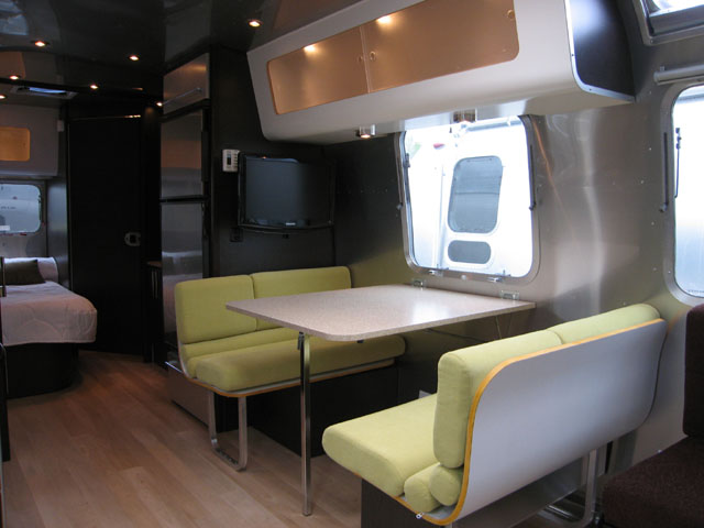 Click image for larger version  Name:wulfraat 25ss dinette 2.jpg Views:694 Size:60.1 KB ID:190045