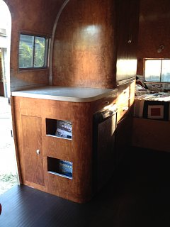Click image for larger version  Name:airstream interior 14.jpg Views:124 Size:187.9 KB ID:191174