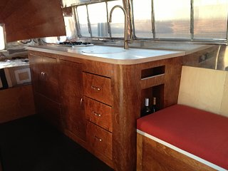 Click image for larger version  Name:airstream interior 15.jpg Views:116 Size:203.9 KB ID:191175