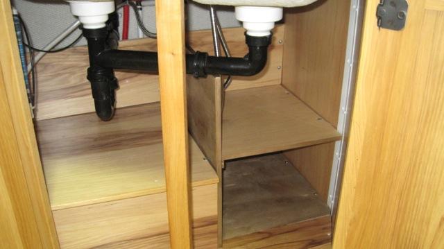 Click image for larger version  Name:Cabinet under sink.jpg Views:160 Size:63.9 KB ID:191282