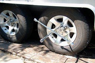 Click image for larger version  Name:DSC_0189 Changing Marathon tires.jpg Views:98 Size:477.2 KB ID:191869