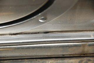 Click image for larger version  Name:DSC_0172 cracks in rub rail sealant.jpg Views:103 Size:316.7 KB ID:191919