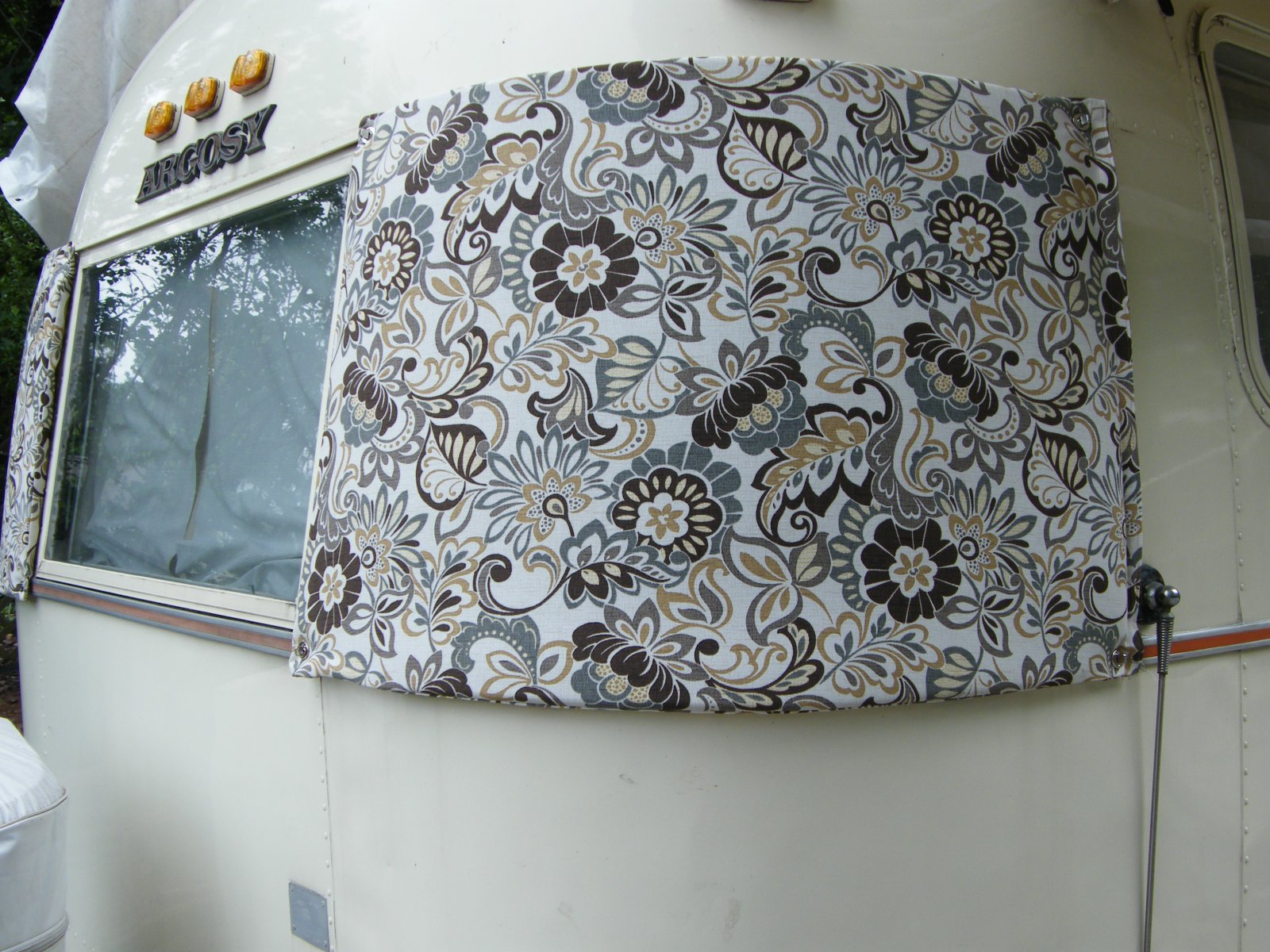 Click image for larger version  Name:window covers 006.jpg Views:59 Size:372.6 KB ID:191937