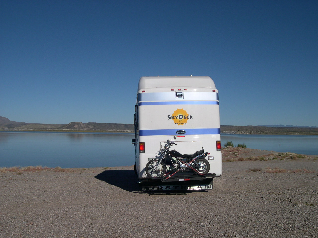 Click image for larger version  Name:at the top of elephant butte  NM.jpg Views:113 Size:244.9 KB ID:192783