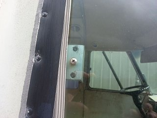 Click image for larger version  Name:74-argosy-cockpit-window-latch.jpg Views:541 Size:187.9 KB ID:192864