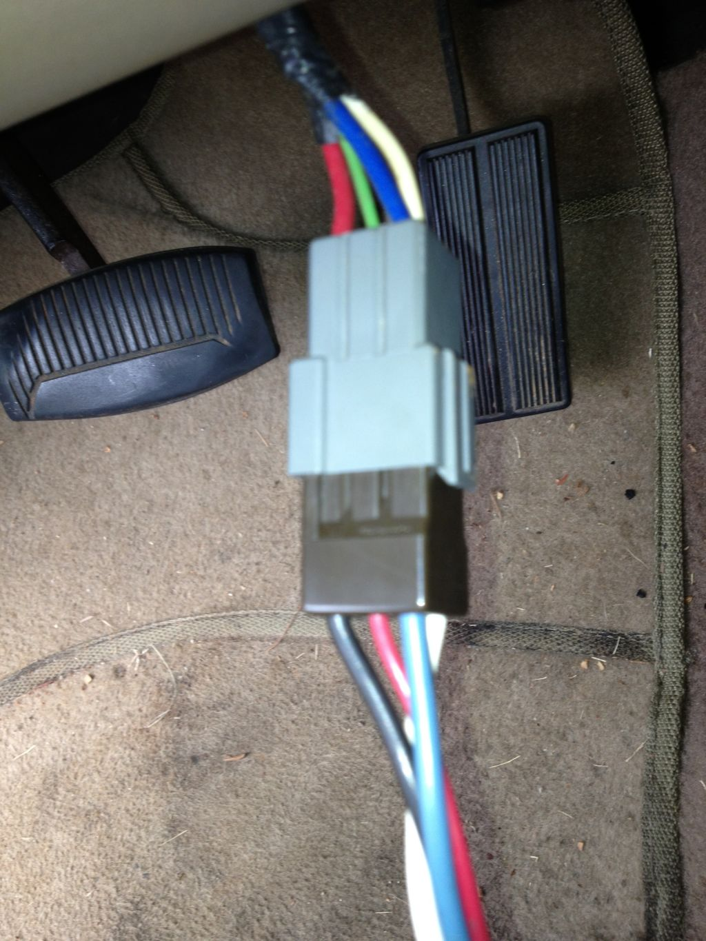 Click image for larger version  Name:Brake Controller wires.jpg Views:222 Size:196.0 KB ID:193525