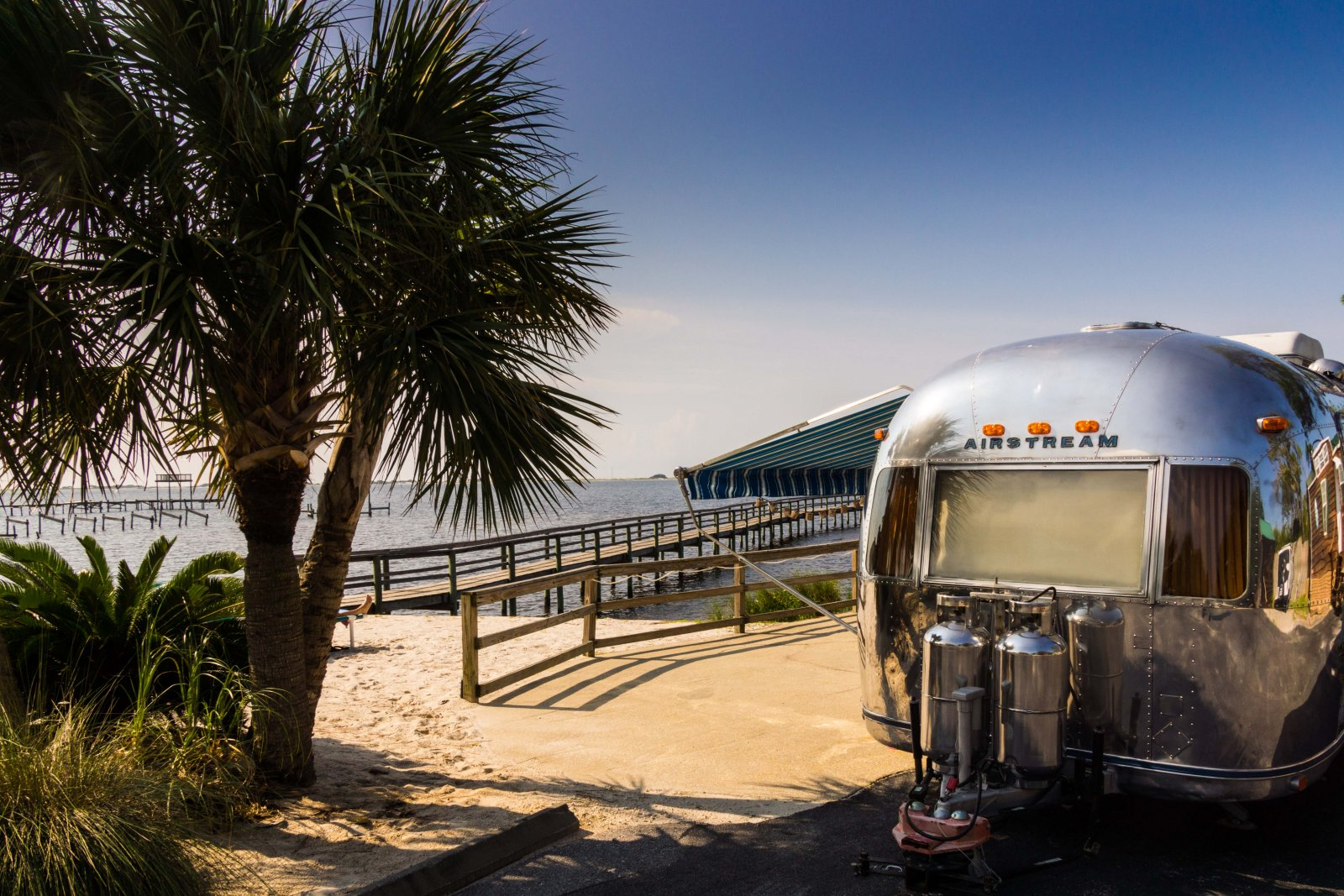 Click image for larger version  Name:Airstream Navarre Small-3.jpg Views:93 Size:385.7 KB ID:193685