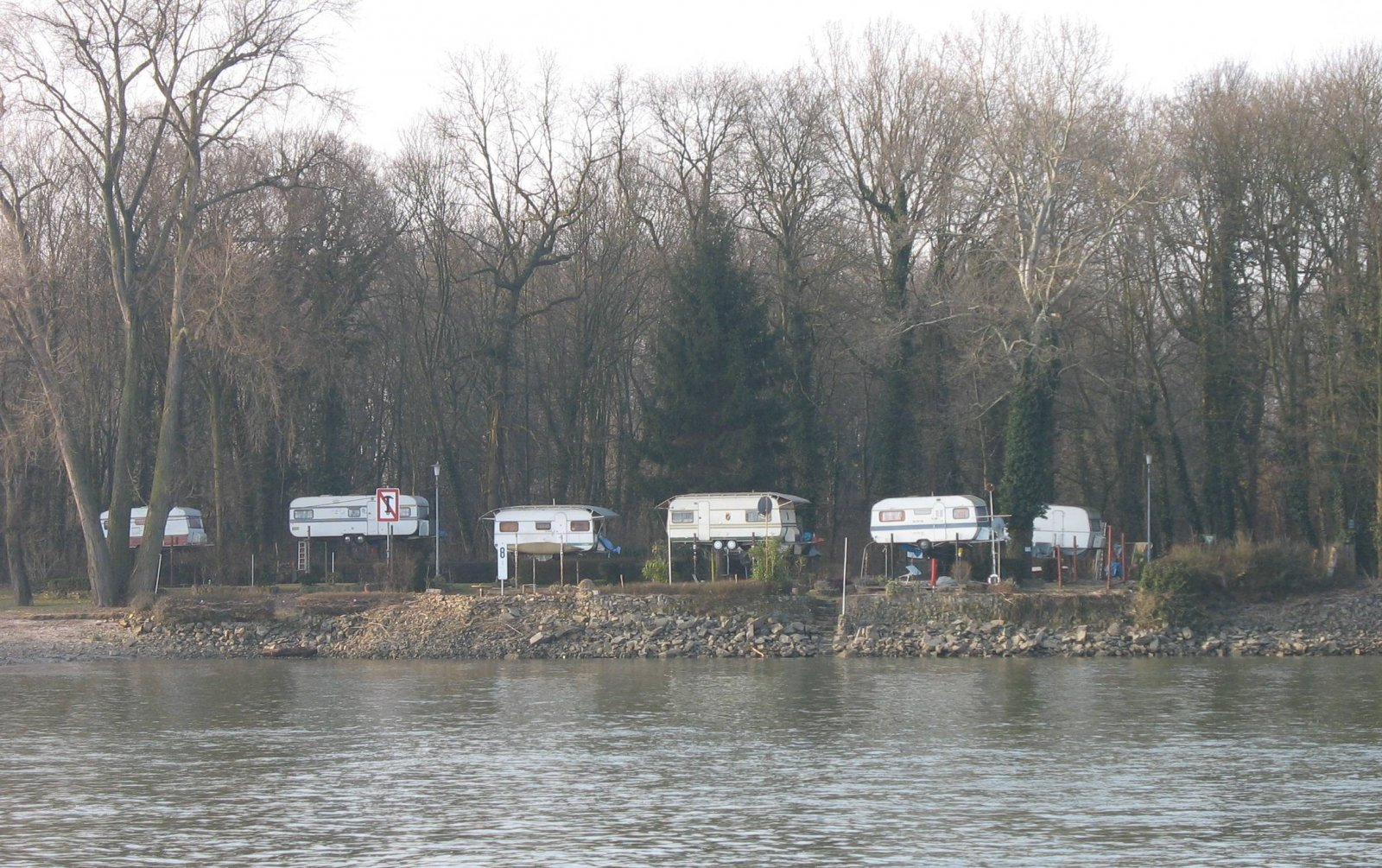 Click image for larger version  Name:trailers_on_stilts.jpg Views:83 Size:394.3 KB ID:194098