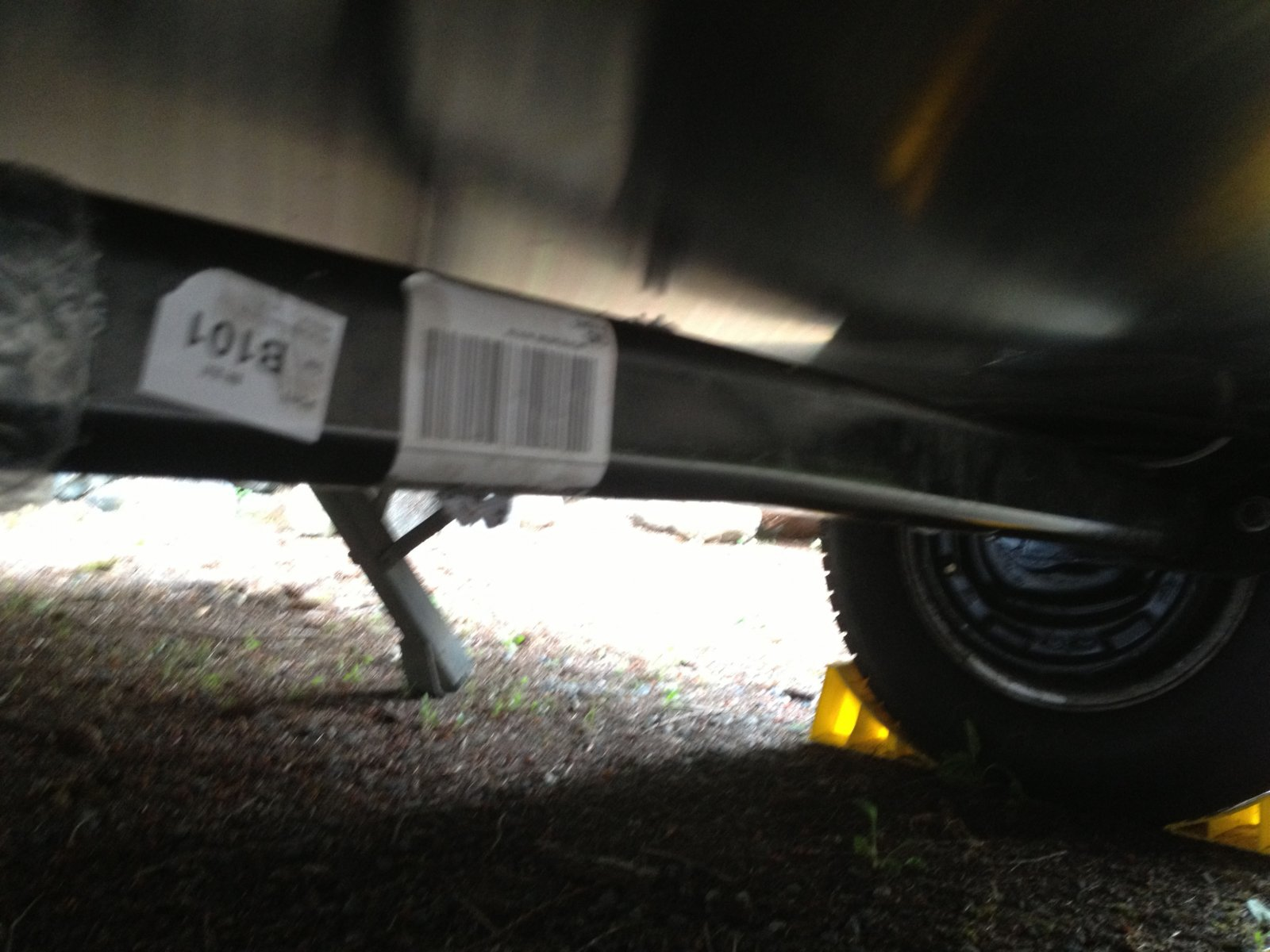 Click image for larger version  Name:Bent axle 8_26_2013 445 pm.jpg Views:533 Size:212.9 KB ID:194260