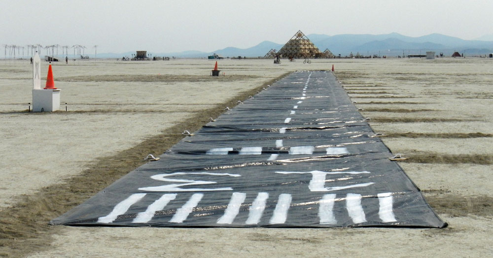 Click image for larger version  Name:DSCN1350 runway.jpg Views:151 Size:133.3 KB ID:194520