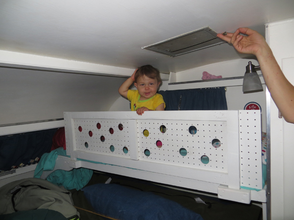Click image for larger version  Name:Scotty-bunk-with-Cora.jpg Views:50 Size:153.2 KB ID:196146