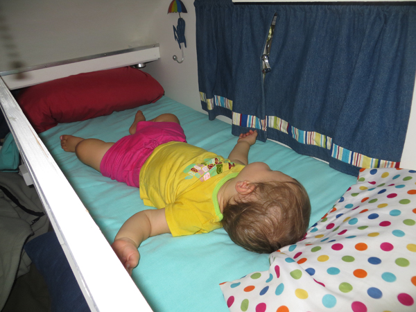 Click image for larger version  Name:Scotty-bunk-with-Cora-napping.jpg Views:46 Size:200.7 KB ID:196147