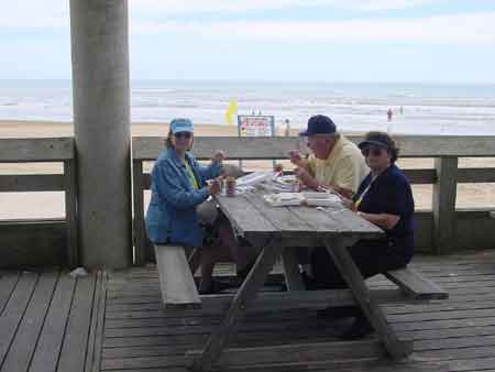 Click image for larger version  Name:fish fry on beach.jpg Views:153 Size:9.7 KB ID:1968