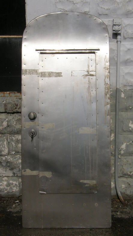 Click image for larger version  Name:Airstream door.jpg Views:157 Size:43.2 KB ID:197409