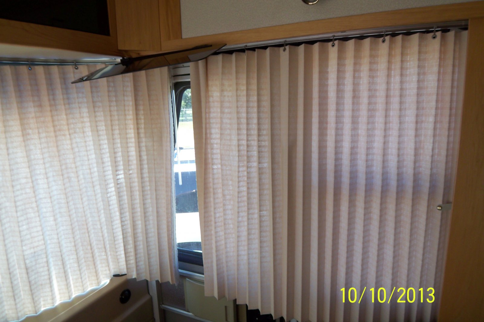 Click image for larger version  Name:blinds2.jpg Views:84 Size:203.0 KB ID:197574