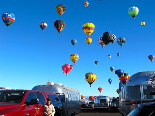 Click image for larger version  Name:Ballon small.jpg Views:115 Size:301.3 KB ID:197716