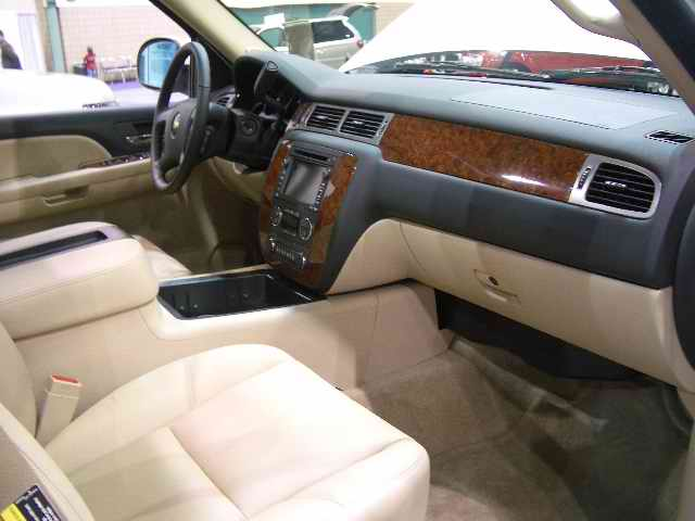 Click image for larger version  Name:2007 gmc interior 2.jpg Views:91 Size:62.2 KB ID:19792