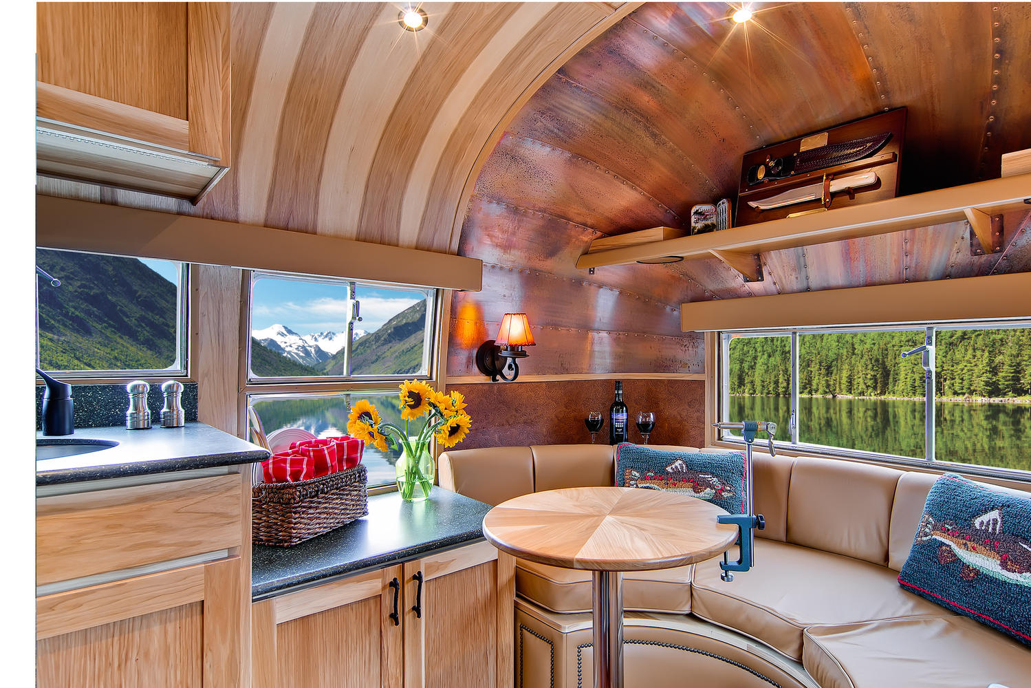 Click image for larger version  Name:airstream restoration.jpg Views:90 Size:350.9 KB ID:198330